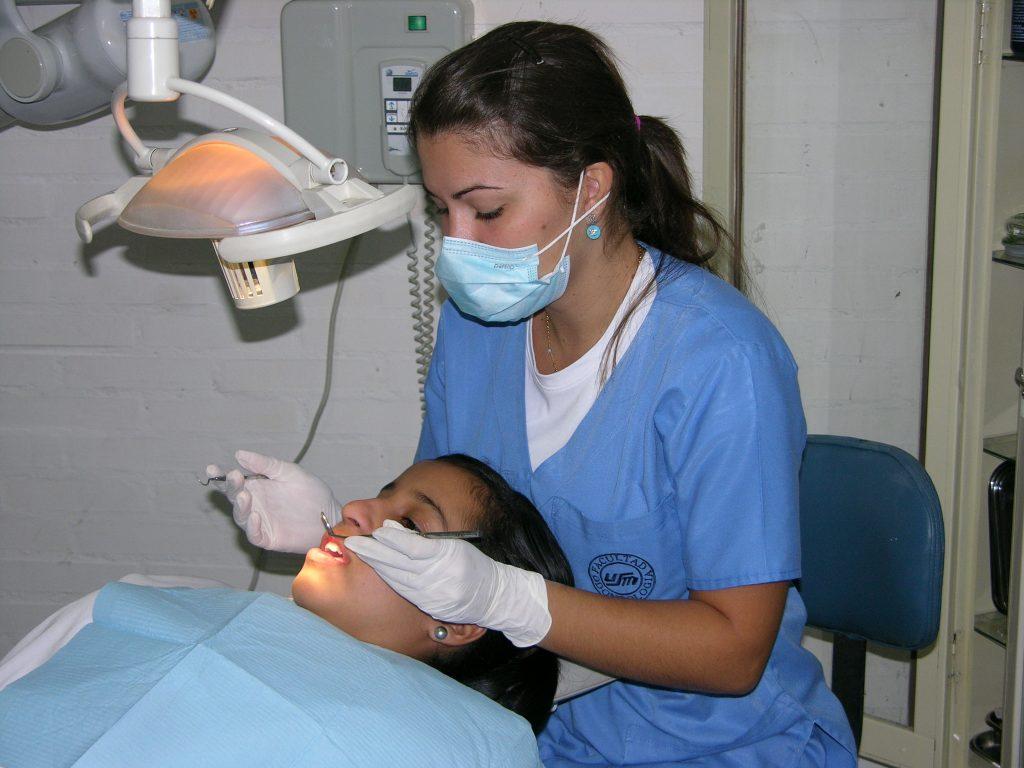 Servicio Odontológico Mano Amiga