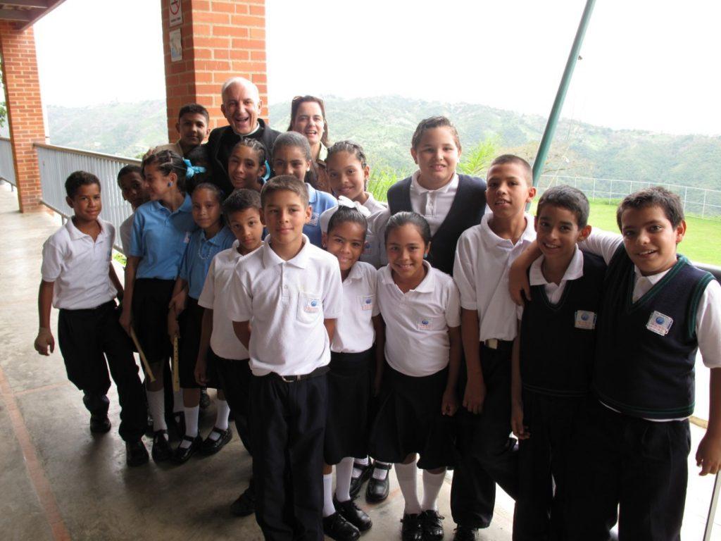 Profesores y Alumnos Mano Amiga Venezuela